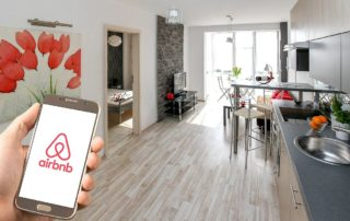 airbnb czy booking.com